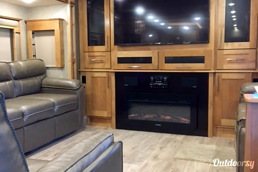 interior 2018 Tiffin Motorhomes Other Knoxville, TN