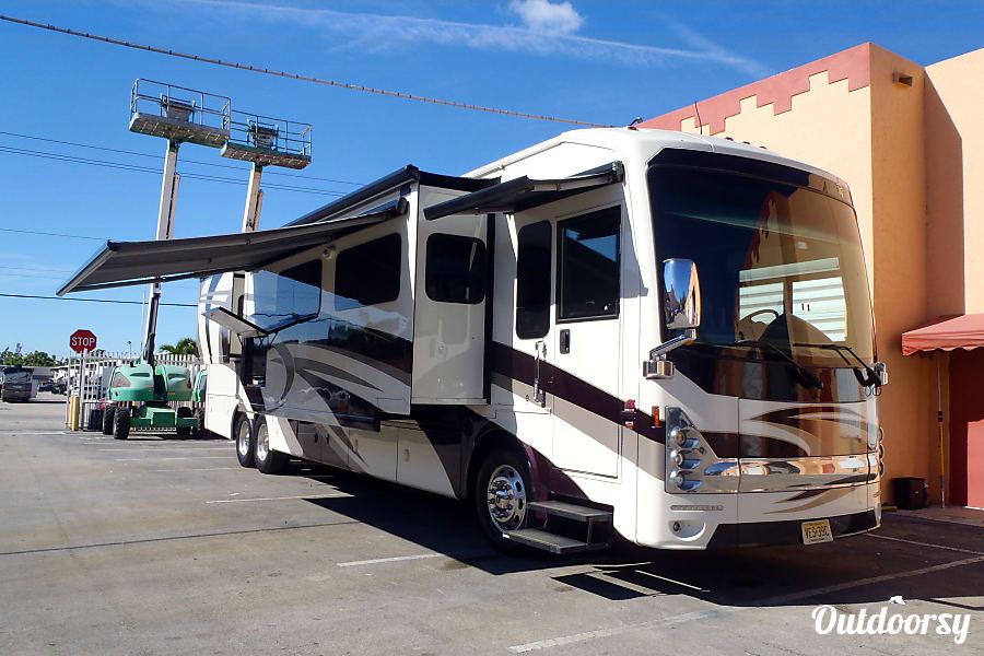 exterior Thor Motor Coach Tuscany Miami, FL
