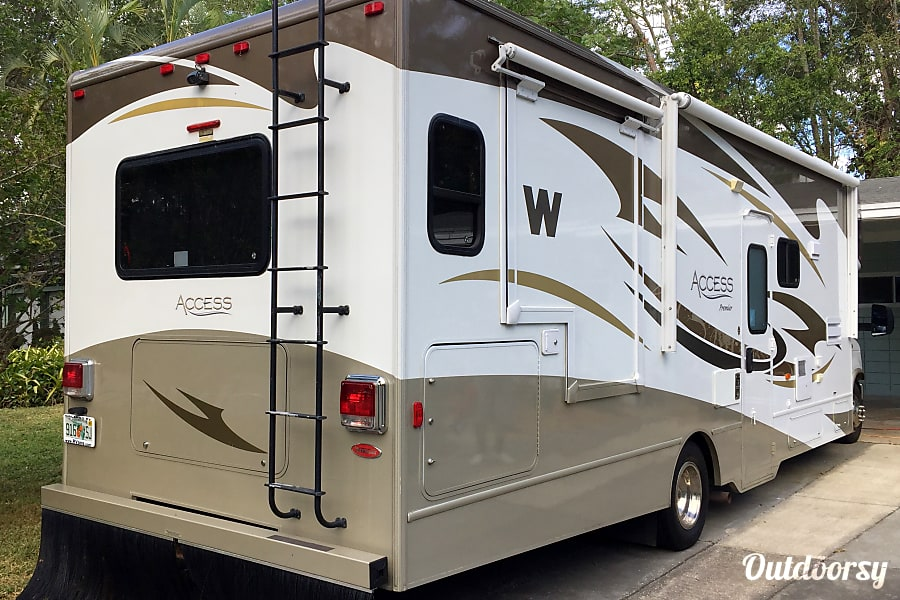 exterior Luxury Winnebago Access Orlando, FL