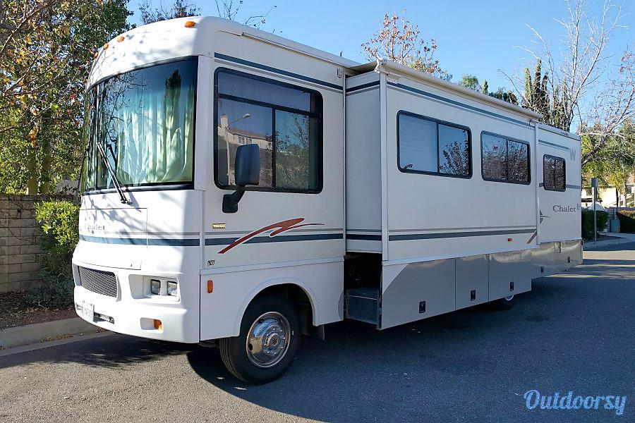 exterior 2004 Winnebago Sightseer Cameron Park, CA