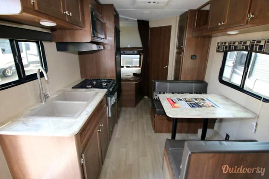 Auto Owners Login >> 2018 Dutchman Coleman Lantern 215BH Trailer Rental in Rockwall, TX | Outdoorsy
