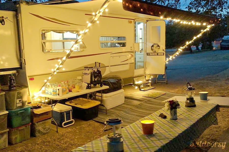 exterior Little Camper of Joy - 2006 Keystone Outback Soledad, CA