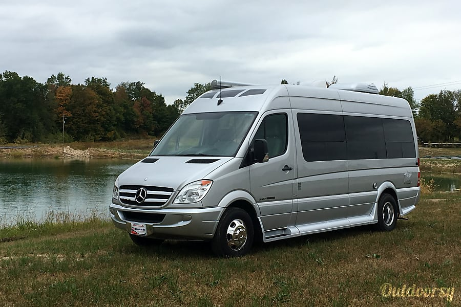 Weekly and Monthly discount pricing available. 2014 Mercedes-Benz Roadtrek CS adventure Flowery Branch, GA