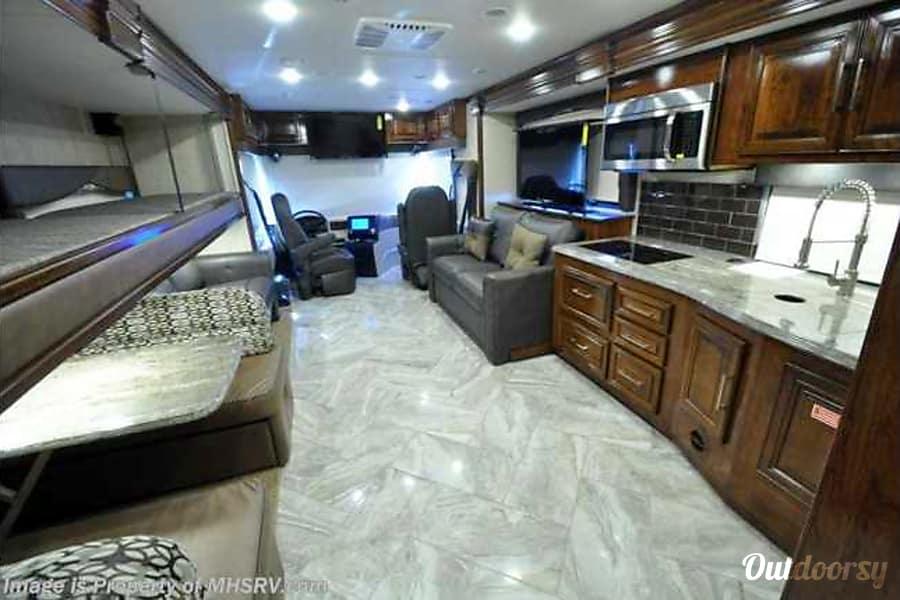 interior 2017 Coachmen Sportscoach Lufkin, TX