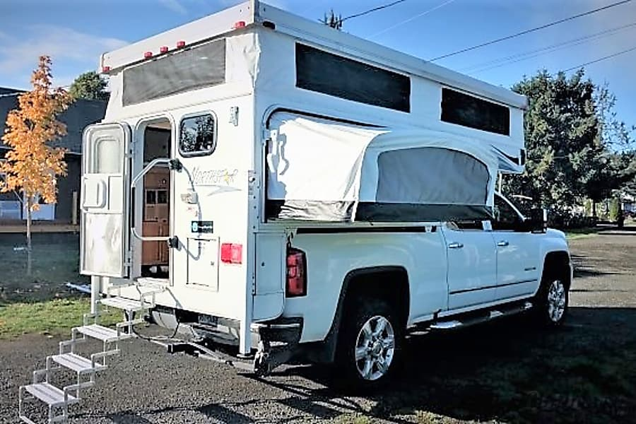 """""""Canyon"""" Camper Fully Outfitted+Solar! Sheridan, OR"""