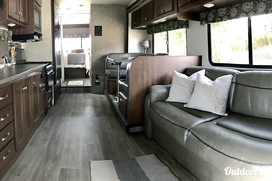 interior NEW 2018, Class C- Forest River Sunseeker Escondido, CA