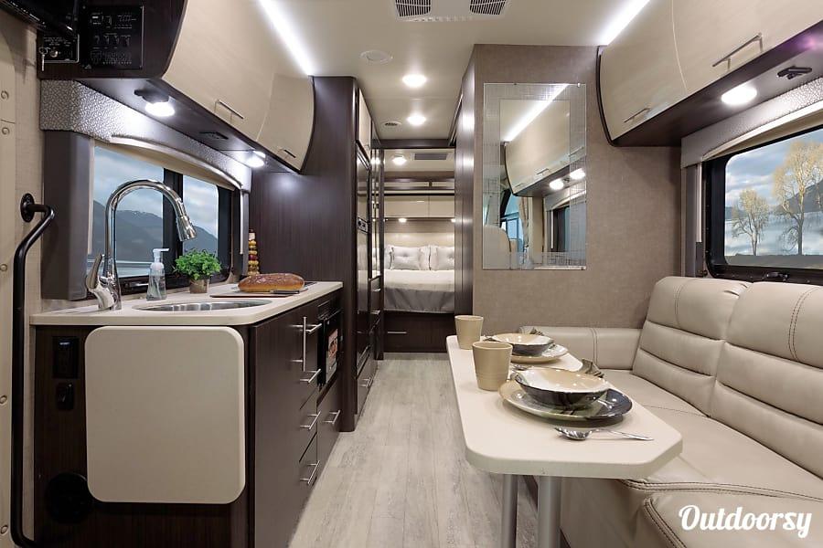 interior Buddha Teas - 2018 Thor Motor Coach Vegas Cardiff, CA
