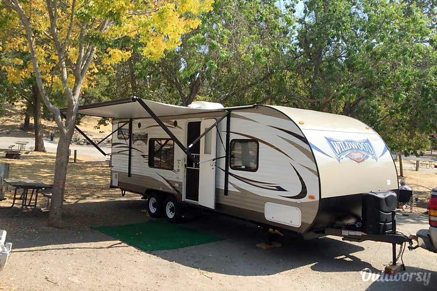 2017 Forest River Wildwood X-Lite Atascadero, CA