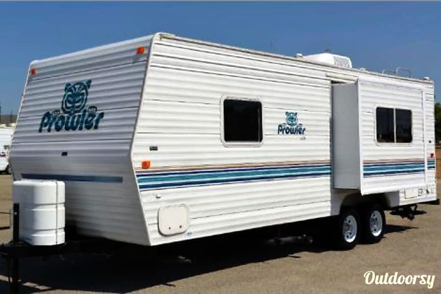 exterior 2003 Fleetwood Prowler Northwest Edition Tigard, OR