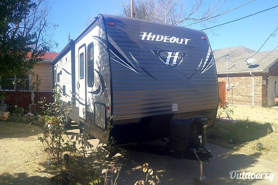 exterior 2017 hideout keystone Arlington, TX