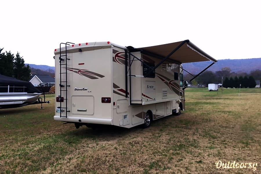exterior 2016 Winnebago Sunstar LX 27n Jasper, TN