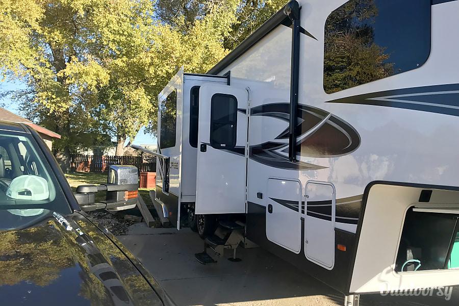 2018 Dutchmen Voltage Cheyenne, WY