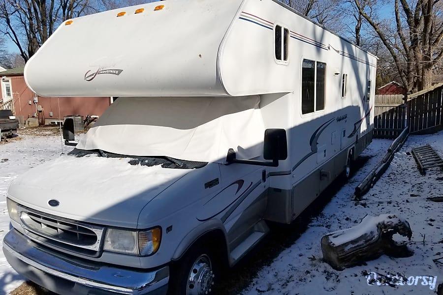exterior 2000 Shasta Travelmaster Prairie Village, KS