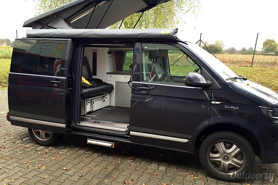 Peace Vans Modern Rental #1: 2018 Mercedes-Benz Metris Full Camper Seattle, WA