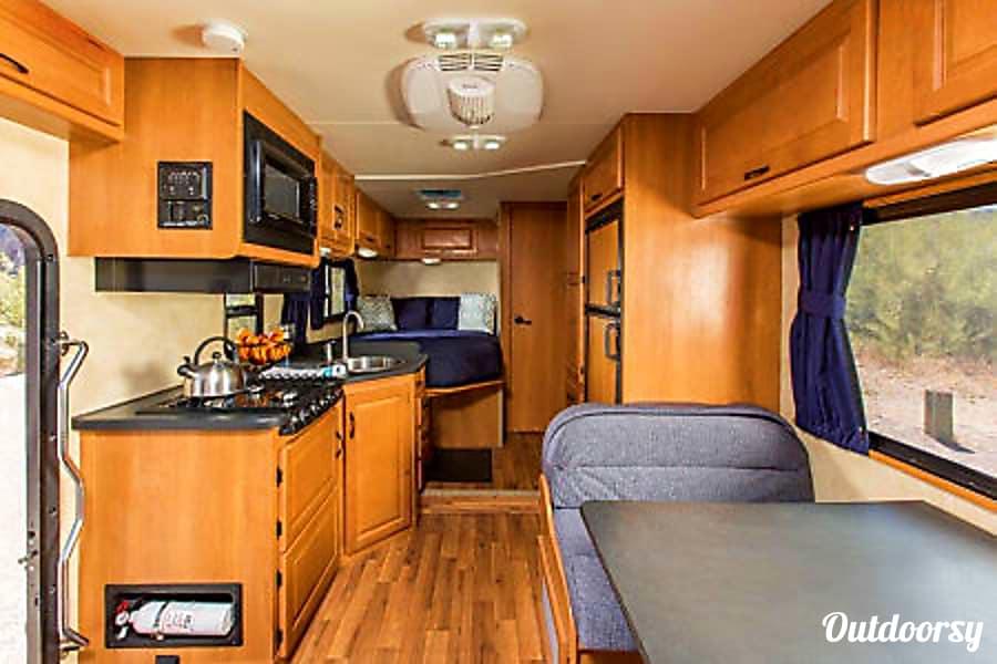 2012 Ford Majestic 23a Darien, IL