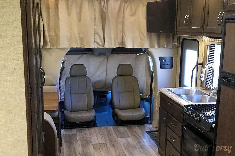 2018 Thor Motor Coach Freedom Elite 24FE Cleveland, OK