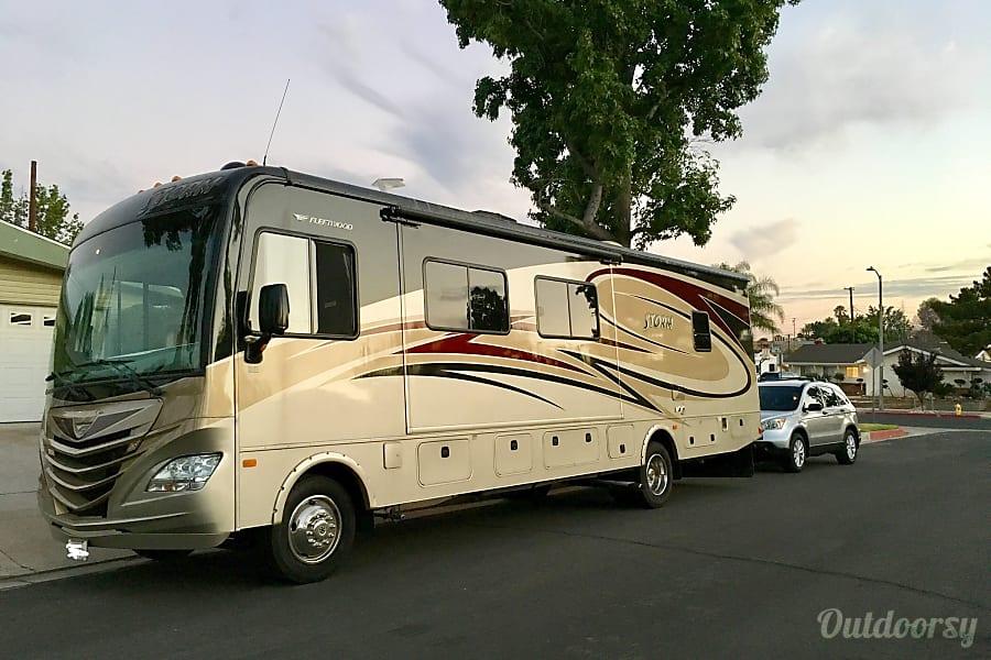 exterior 2014 Fleetwood Storm Santa Clarita, CA