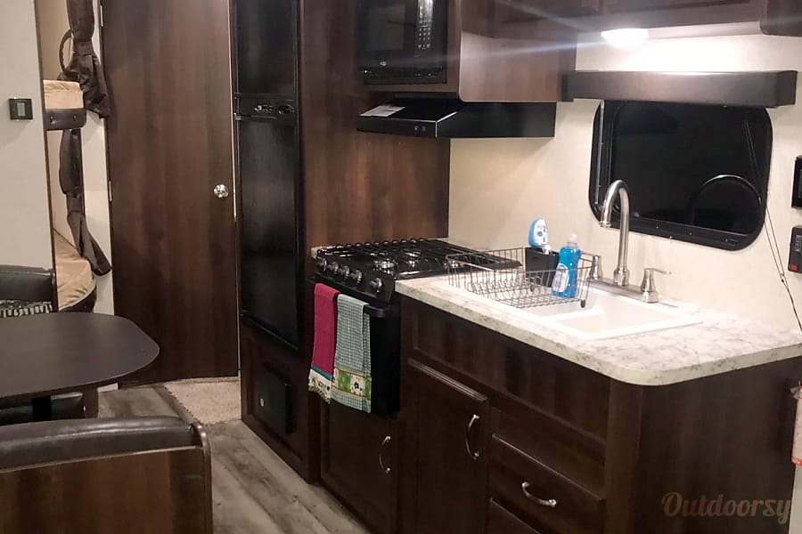 interior **1/2 TON TOWABLE** 2018 Jayco Jay Flight 264BH - BRAND NEW The Woodlands, TX