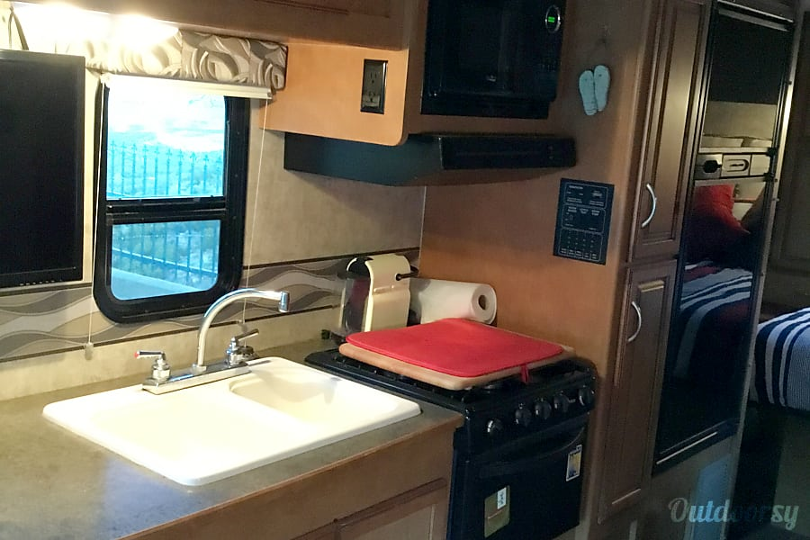 interior 2016 Winnebago Minnie Winnie Mountain Center, CA