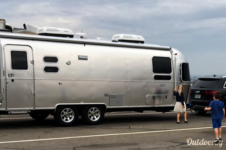 exterior 2018 Airstream Flying Cloud Novato, CA