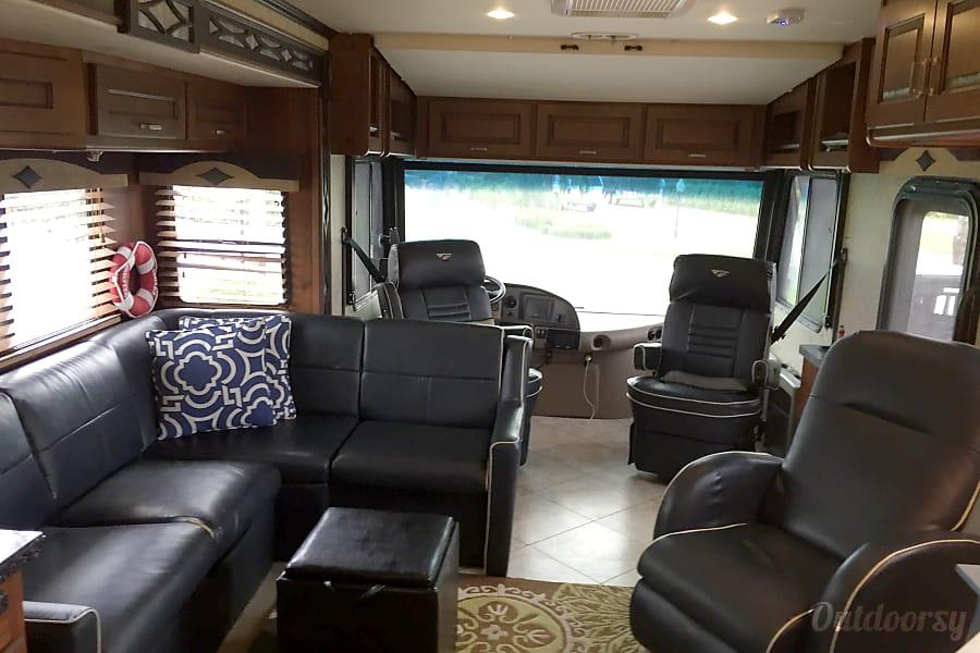 2013 Fleetwood Excursion 35B Margate, FL