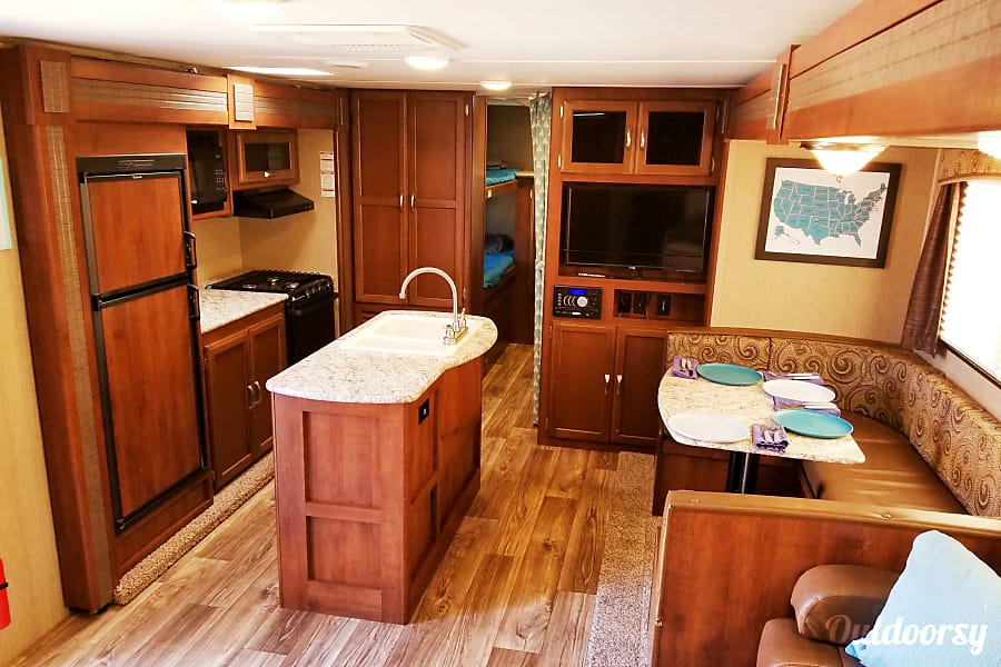 interior SUV Camping - Weekend renters get free pickup on Thursday afternoon and free return on Monday morning! Parker, TX