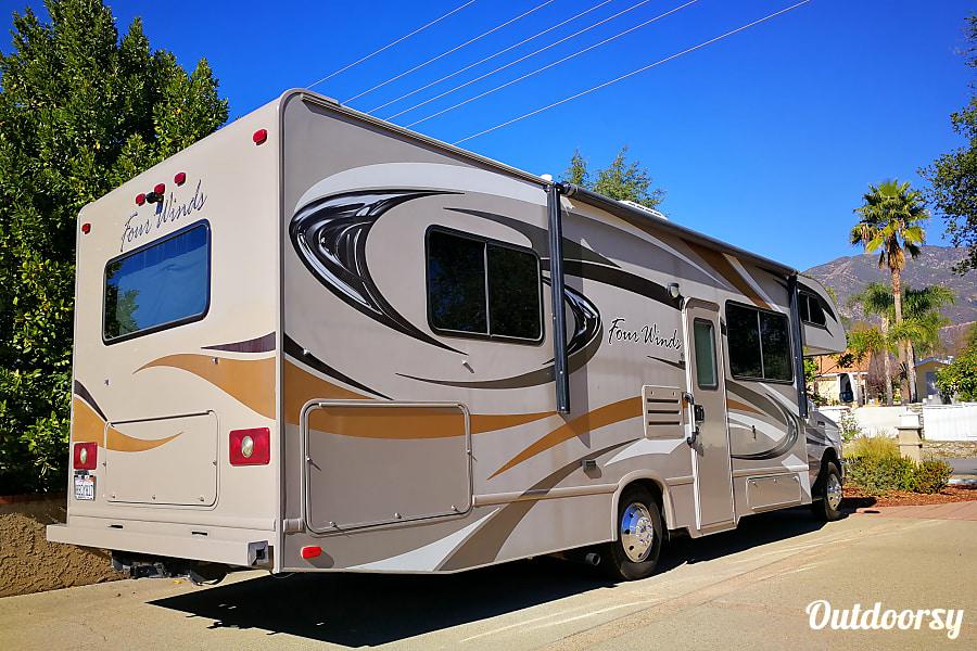 exterior 2015 Four Winds CHATEAU Claremont, CA