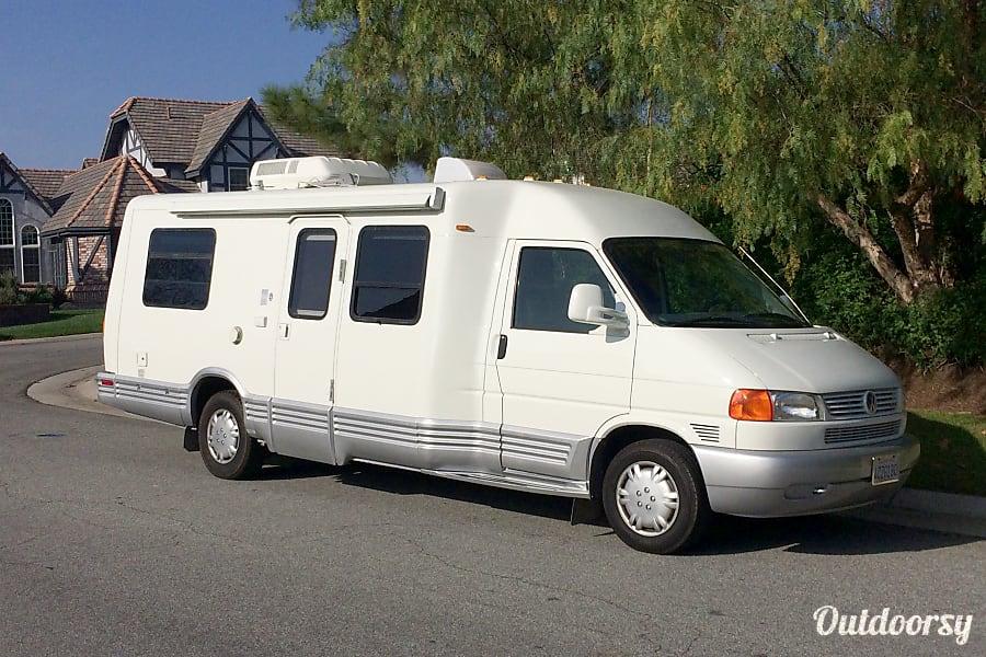 exterior Winnebago Rialta - 18 MPG guaranteed! Anaheim, CA