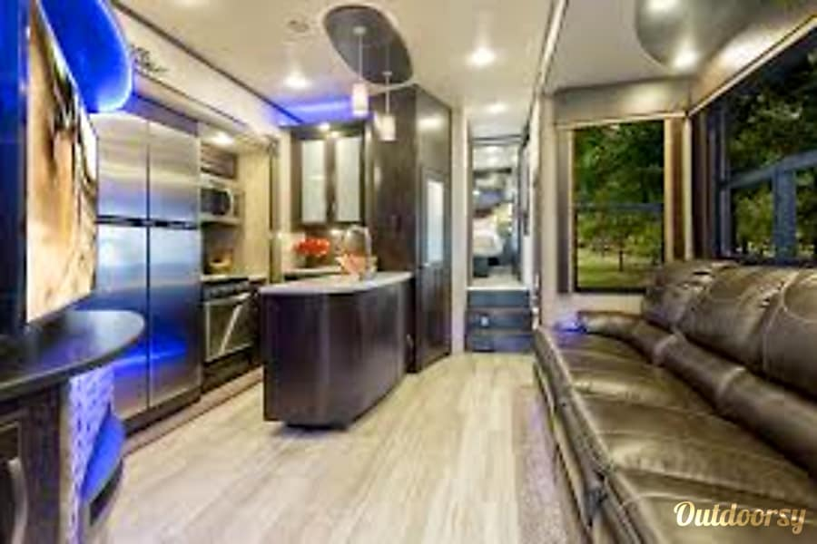 2017 Grand Design Momentum Fifth Wheel Rental In Edgerton