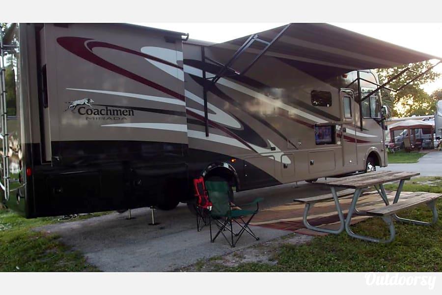 exterior 2016 Coachmen Mirada Fort Lauderdale, FL