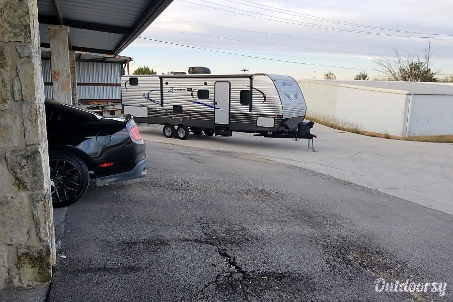 2017 Crossroads Zinger McQueeney, TX