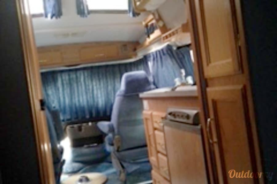 interior 2002 Pleasure Way Excel Cabin John, MD