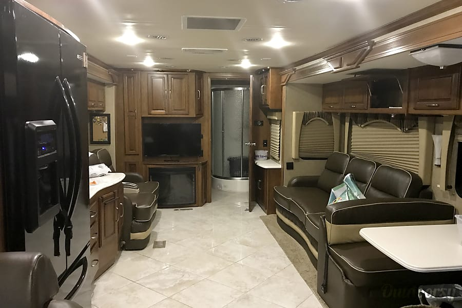 interior 2014 Coachmen Sportscoach Cross Country Savage, MN