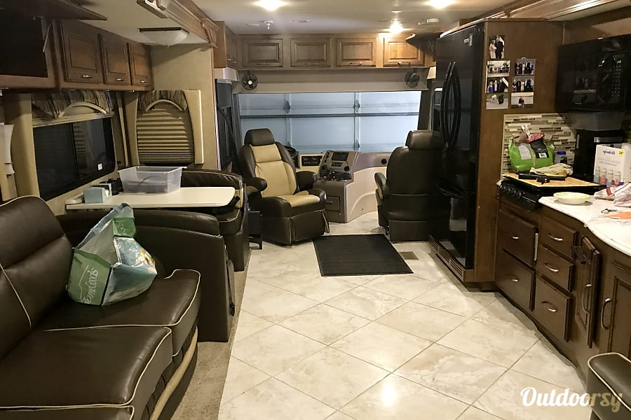 exterior 2014 Coachmen Sportscoach Cross Country Savage, MN