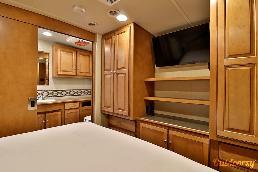 interior 35' Winnebago Vista Riverview, FL