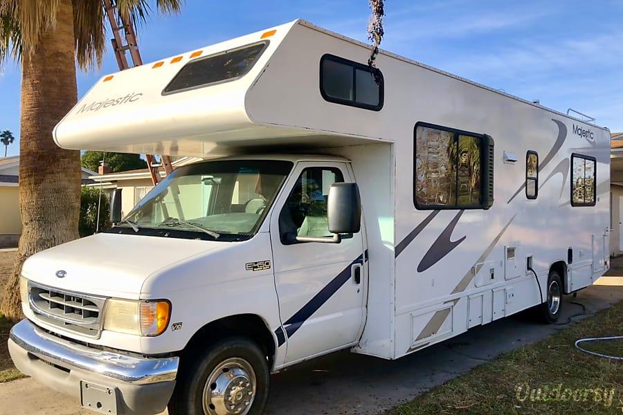 exterior TRAVELBUDDY:  2001 Ford V10 E-450 Majestic Las Vegas, NV