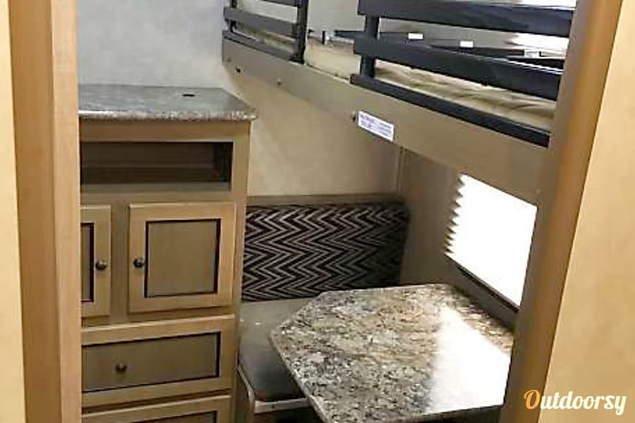 interior 2016 Cruiser Rv Corp Shadow Cruiser Suffolk, VA