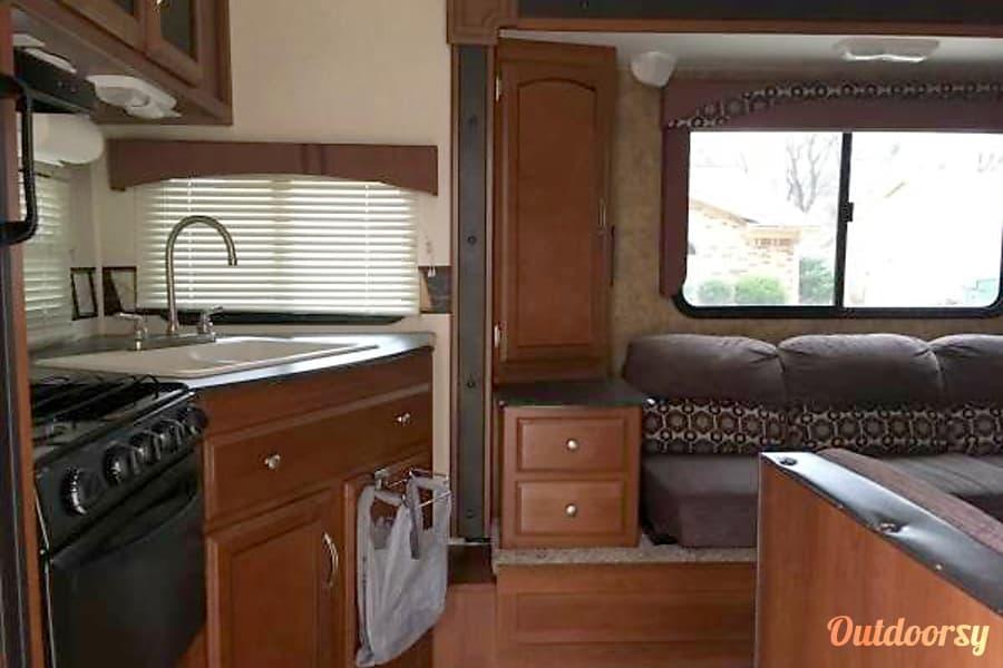 interior 2014 Coachmen Freedom Express Mansfield, TX