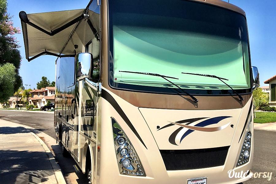 2017 Thor Motor Coach Windsport Temecula, CA