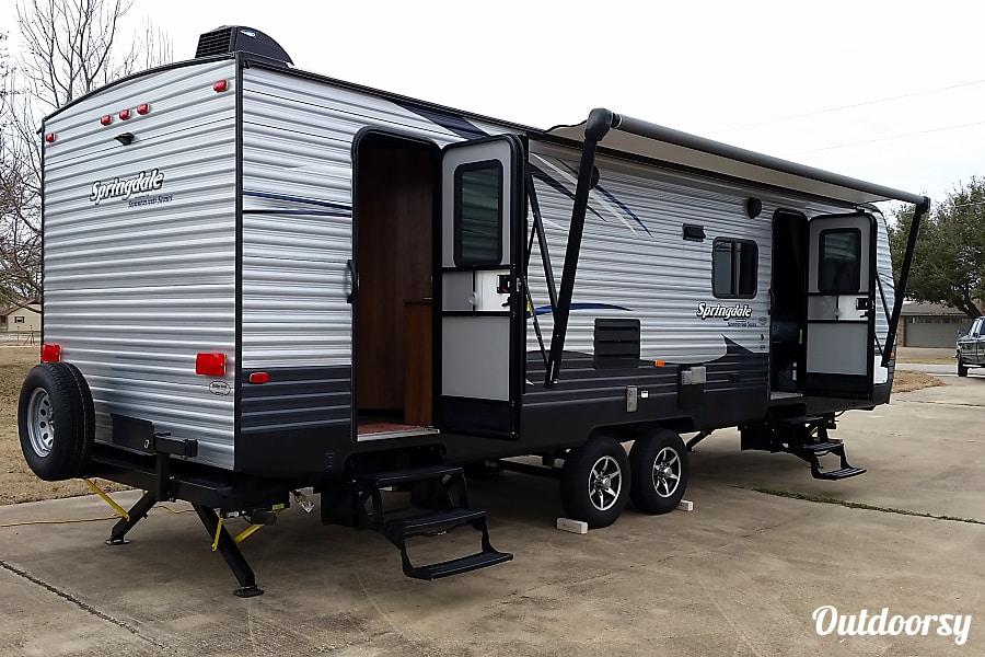 exterior 2017 Keystone Springdale Allen, TX