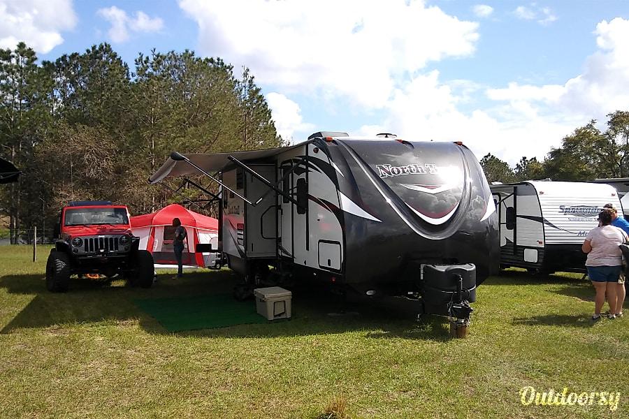 exterior 2016 Heartland North Trail Lakeland, FL