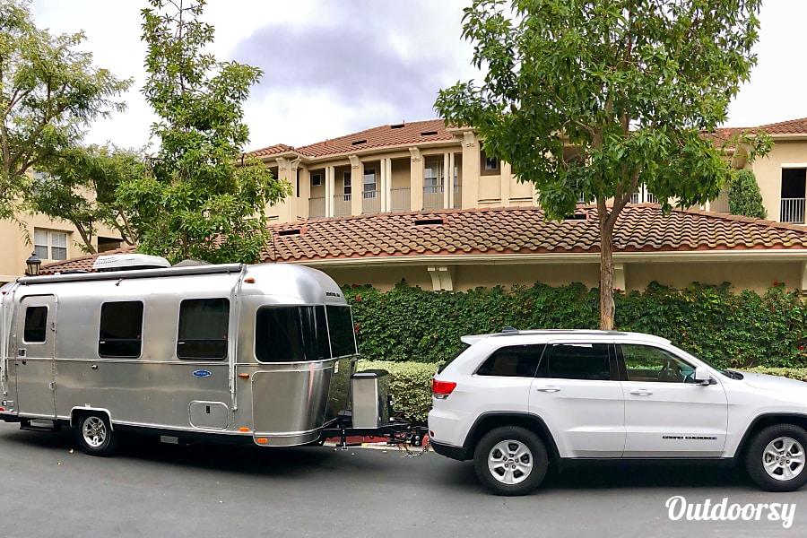 exterior 2018 Airstream Sport Newport Beach, CA