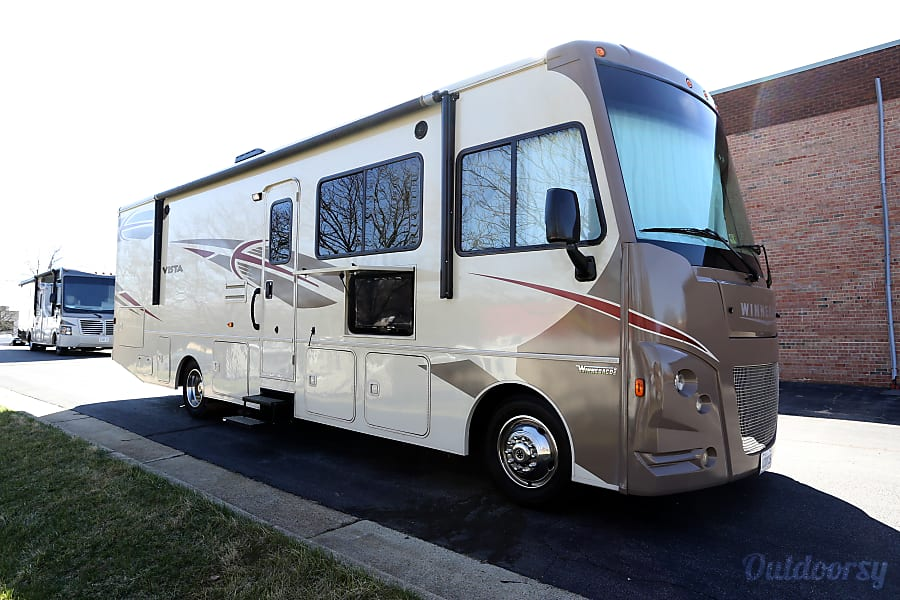 RV 25: Winnebago Vista Herndon, VA