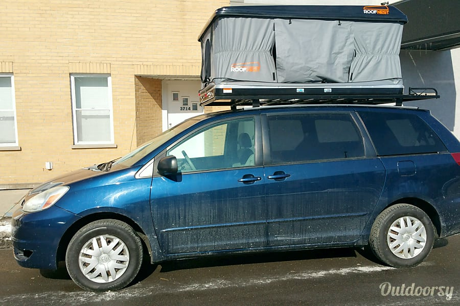2006 Camper Minivan - Seats 5, Sleeps 4 Chicago, IL