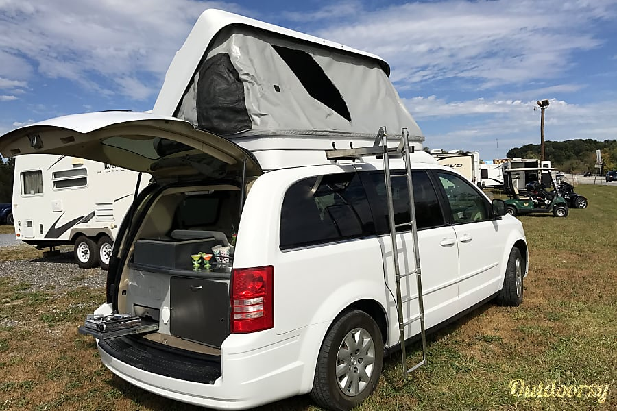 2010 Chrysler Town & Country CamperVan Dillsburg, PA
