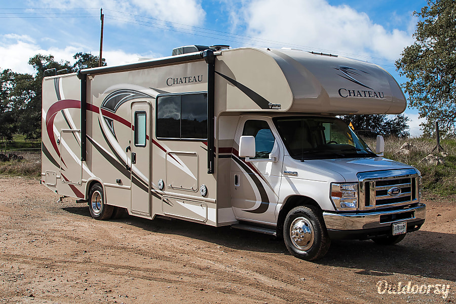 2018 Thor Chateau Chateau Motor Home Class C Rental In
