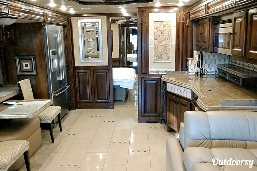 interior 2015 Tiffin Motorhomes Allegro Bus Portland, OR