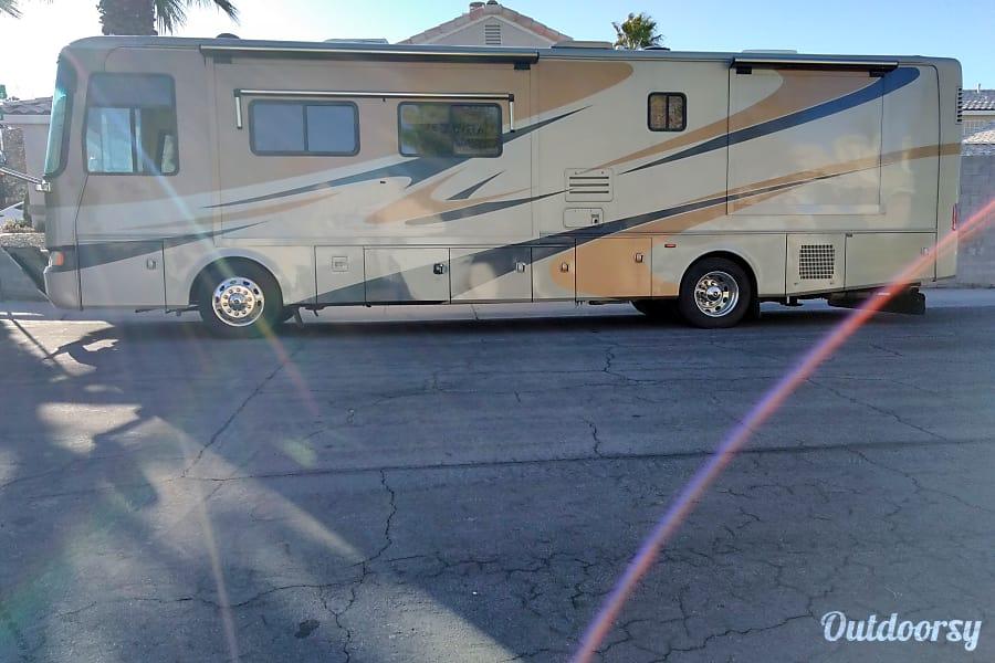 exterior Larsen's Queen Las Vegas, NV