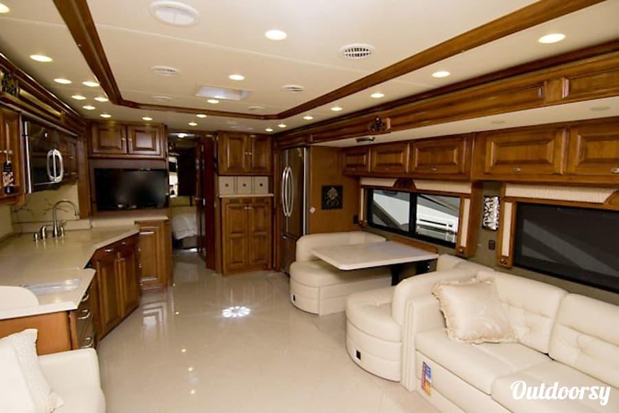interior 2013 Tiffin Motorhomes Phaeton Spring, TX