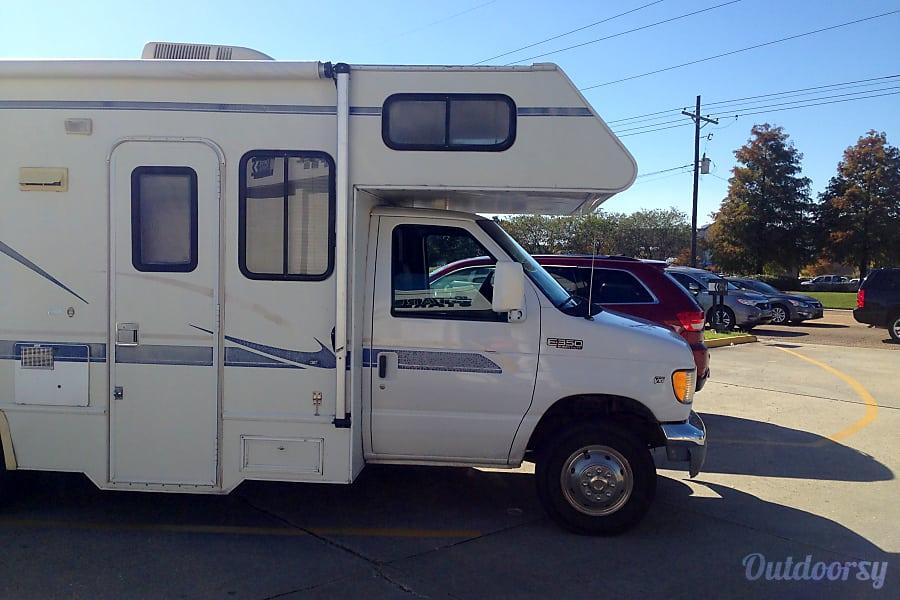 exterior 2000 Thor Motor Coach Four Winds Majestic Las Vegas, NV